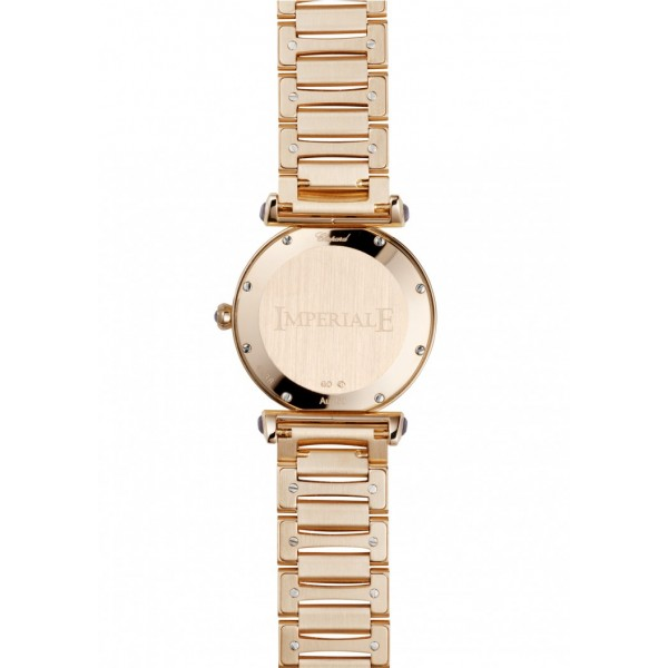 The whole rose gold watch bodies have shiny and beautiful appearances.