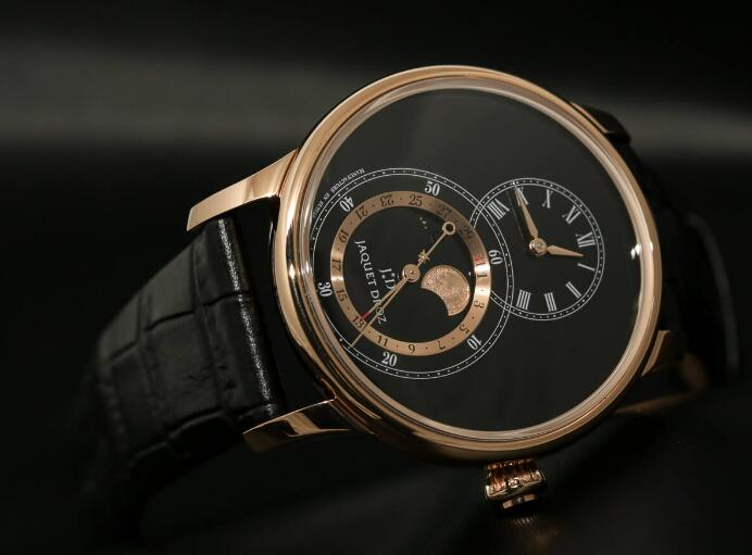 Swiss-made knock-off watches are featured with 43mm in diameter.