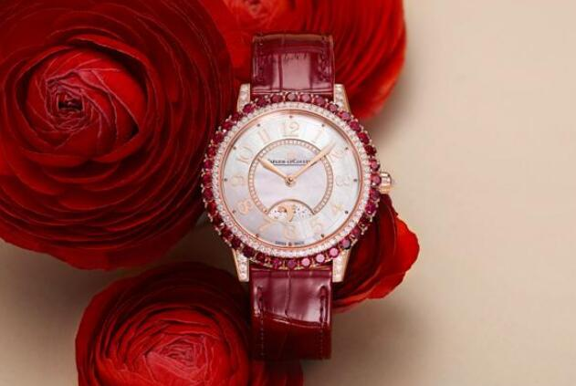 The red timepiece will make the women wearers more fashionable and passionate.