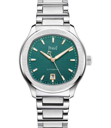The green Piaget sports a distinctive look of luxurious and sporty style.