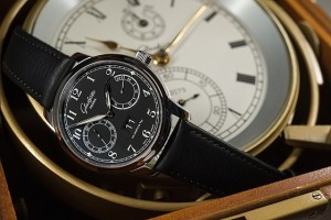 Replica-Glashutte_Original_Senator_Observer_blackdial