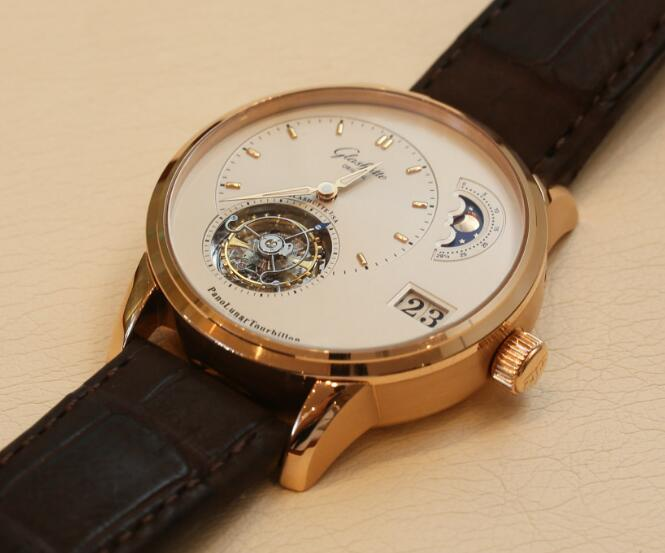 Swiss replication watches online are advanced with tourbillon.