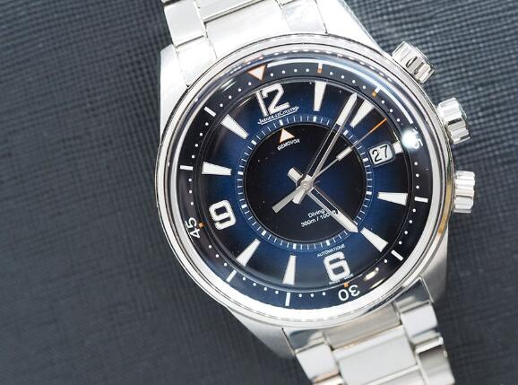 The Jaeger-LeCoultre Polaris fake watch is suitable for both formal occasions and casual occasions.