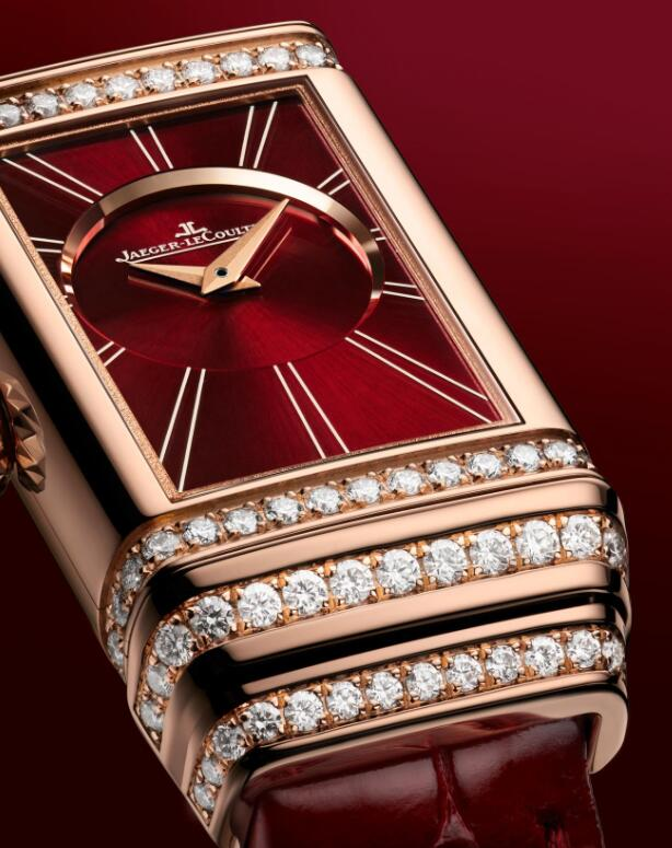 Female Jaeger-LeCoultre fake watches show burgundy dials and burgundy straps.