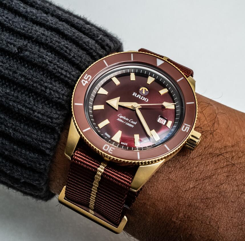 Swiss-made fake watches show very attractive effect with burgundy color.