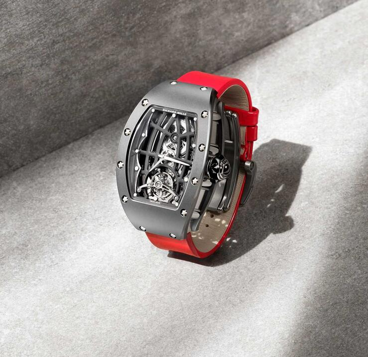 New replication watches are driven by the automatic movements.